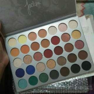 Jachlyn hill palette