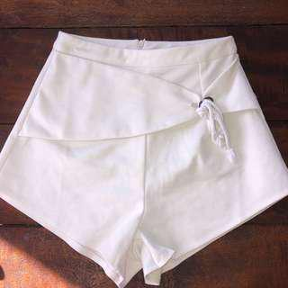 Sabo skirt white shorts