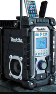 Makita radio with battery and charger