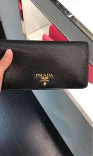 Prada 牛皮斜孭細袋