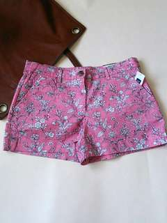 New with tag! Authentic GAP Floral Short