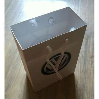 (半價) VOLKSWAGEN Paper Shopping Gift Bag 紙袋 禮物袋 (Half Price)