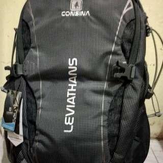 Tas consina daypack edisi gajadi pake cocok buat yang suka ke kantor naik gunung sekolah yang suka bawa laptop nih retail 400k jual aja 300k