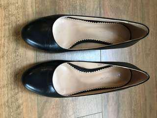 Florsheim shoes in good condition