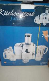 Kitchen cook juicer