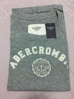 🚚 灰色*A&F合身圓領T-shirt