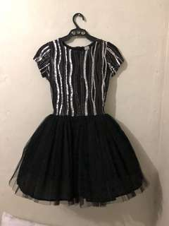 BLACK/SILVER COCKTAIL DRESS FOR RENT