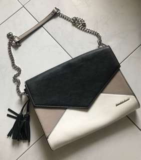Clutch Shoulder Bag with tazzle 2 way