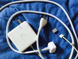 🚚 Authentic Apple Macbook MagSafe 1 Charger w/ MagSafe 2 Adapter & Extension Cable max 85W 110-240V