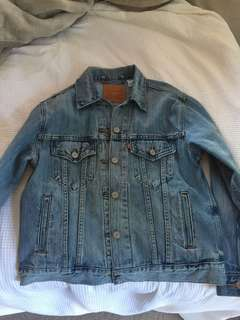 Levi Strauss Denim Jacket !! GREAT DEAL
