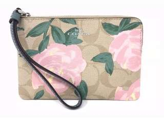 BNWT Coach USA Camo Rose Corner Zipped Wristlets