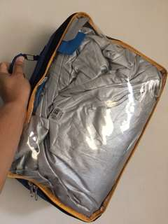 Car cover water proof ideal for hatch type (swift, picanto, honda brio, mirage) good as new used only 4x