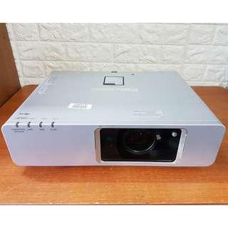[Projector] Panasonic-PT-F300NT