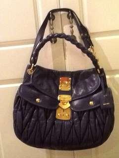 急放 Miu miu 羊皮 經典款大袋 手袋 hand bag 購自專門店有單