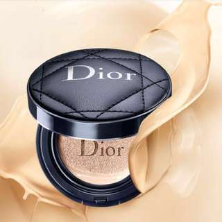 Diorskin Forever Perfect Compact Cushion with case
