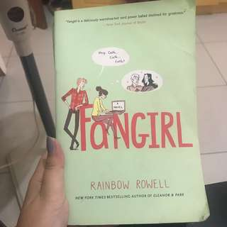Novel Import : Fangirl by Rainbow Rowell