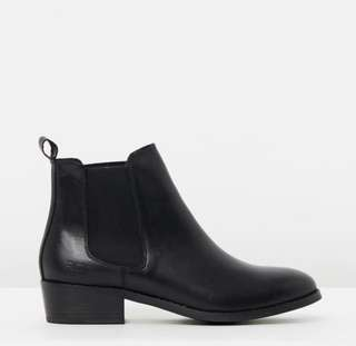 Roc ankle boots (Vespa) brand new size 8