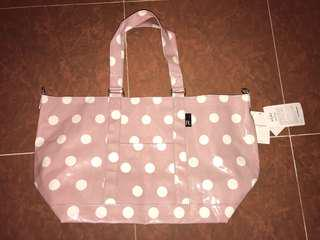 Bag size 52x30x20cm