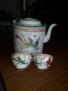 ALL for $10 vintage dragon phoenix teapot and 2 bowls