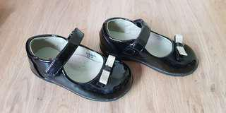 Preloved black bubble gummers shoes (Size 6)