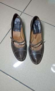 authentic leather shoes from Italy
