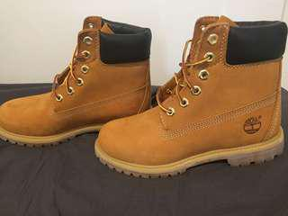 Authentic Timberlands 7W
