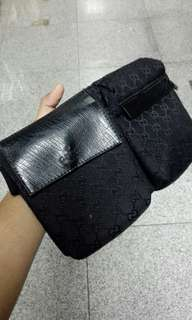 Gucci Canvas Fanny Pack full black - 80 % new