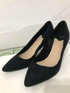 🚚 H&M 38號尖頭3.5公分高黑色高跟鞋