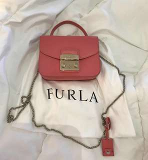 Preloved authentic Furla metropolis with handle