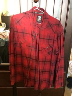 VINTAGE OVERSIZED RED FLANNEL FLEECE BUTTON UP SHIRT