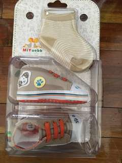 Baby shoes socks 6 months