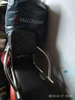 Sandaran plus tas, buat motor matic & manual
