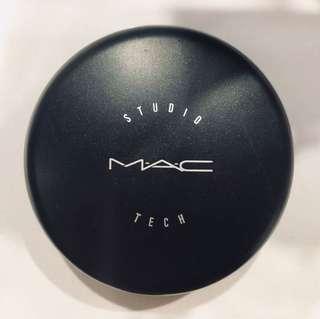 MAC Studio Tech Foundation Shade NC37