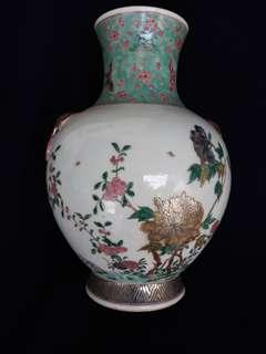 大清光緒年花瓶33公分高。