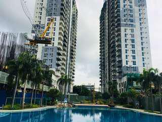 Preselling condominium