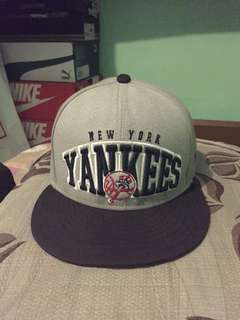 new york yankees round cap