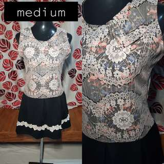 🍭Floral Dress with white lace accent;80