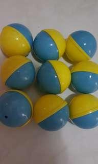 Surprise egg capsules