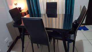 4 seater table glass