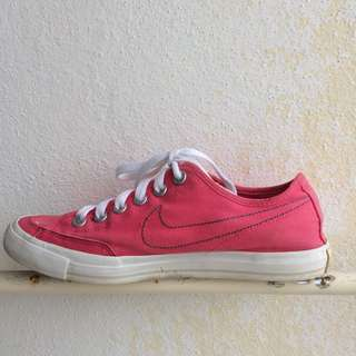 AUTHENTIC NIKE Woman Sneakers
