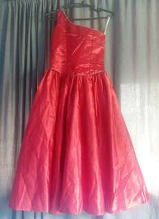 red gown for kids (fit up to 6 yrs old and above)