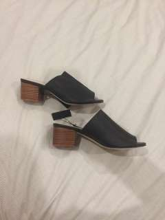 Leather open toes mules BNWT