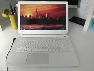 Toshiba L40-B (Price negotiable!!)