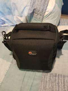 🚚 Lowepro Camera Bag/Pouch - Format 140