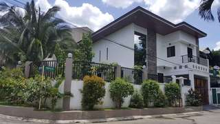 Fully furnished house and lot for sale