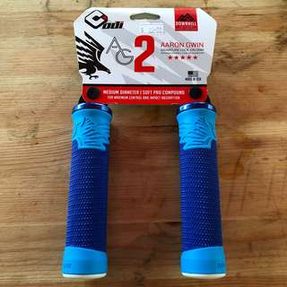 New: ODI AG-2 Aaron Gwin V2.1 Lock-On Grips blue ( free postage )