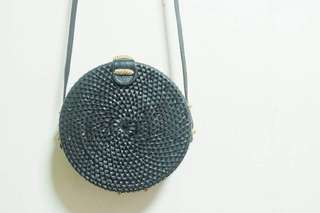 Rattan roundie bag from Bali Black