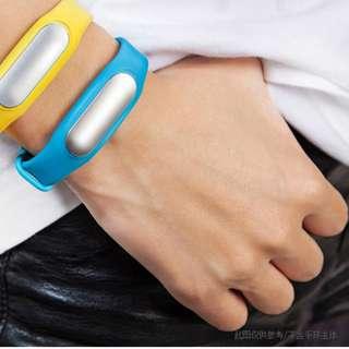 小米手環藍色