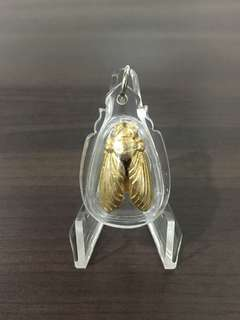 魔魔小舖 泰國佛牌:古巴文瑪 佛曆2560年 第一期金屬大黃蜂聖物(Maleng Pu)黃銅版