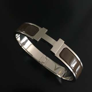 Hermes Clic H bracelet in Chocolate enamel